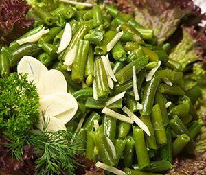 Salata de fasole cu usturoi