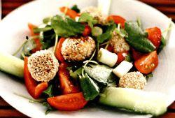 Chiftelute cu salata de rosii