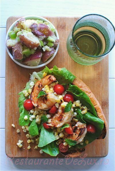 Sandwich_cu_creveti_si_salata_de_cartofi_05