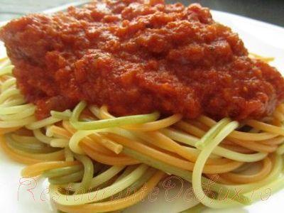 Spaghete_cu_sos_de_rosii_si_busuioc_06