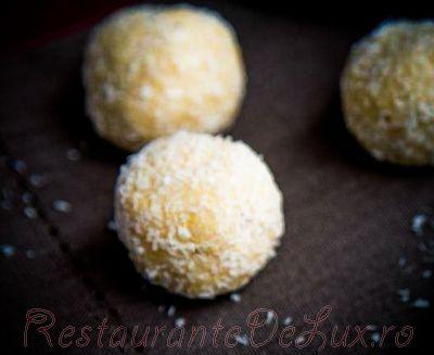 Bomboane_delicioase_cu_nuca_de_cocos_08