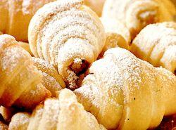 Cornulete cu nuca si vanilie