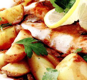 Crap_cu_sos_de_rodii_si_cartofi