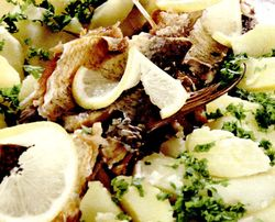Peste_afumat_cu_cartofi