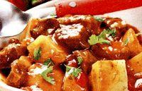 Gulas_cu_carne_de_vita_si_cartofi