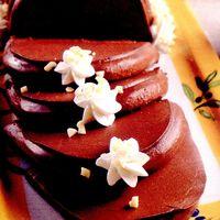 Budinca_de_ciocolata_cu_frisca_si_fructe_uscate