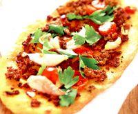 Pizza_cu_carne_de_berbecut_tocata