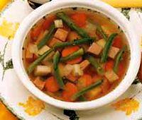 Supa de fasole verde cu costita afumata