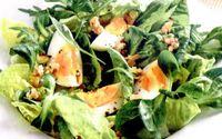 Salata_verde_cu_oua_si_nuci