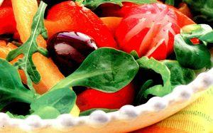 Salata_cu_spanac_si_ardei_gras