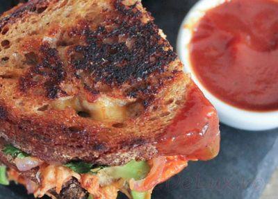 Sandwich_cu_piept_de_pui_avocado_si_mozzarella_13