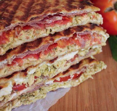 Sandwich_cu_piept_de_pui_si_sos_pesto_10