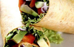 Tortilla_cu_avocado_cascaval_si_ceapa_rosie