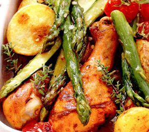 Ciocanele_de_pui_cu_sparanghel_si_cartofi