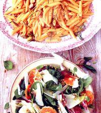 Paste_cu_carnati_si_salata_cu_clementine