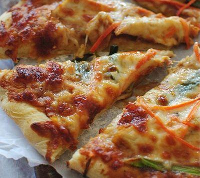 Pizza_cu_pui_si_mozzarella_04