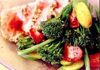Stir-fry_de_broccoli_legume verzi_si_carne_de_vita
