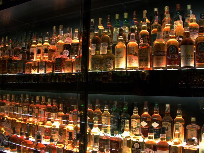 Whiskey_distilare_de_peste_16_secole