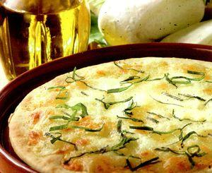 Pizza_cu_branzaturi_si_verdeata