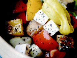 rp_Salata_de_legume_cu_masline_si_brânza1.jpg