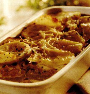 Musaka_cu_carne_de_porc_cartofi_si_cascaval