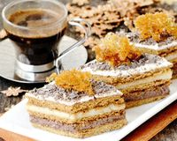 Prajitua_cu_foi_de_zahar_ars_si_ciocolata