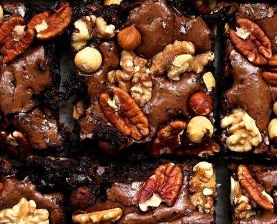Negresa_cu_ciocolata_neagra_si_nuci_pecan_08