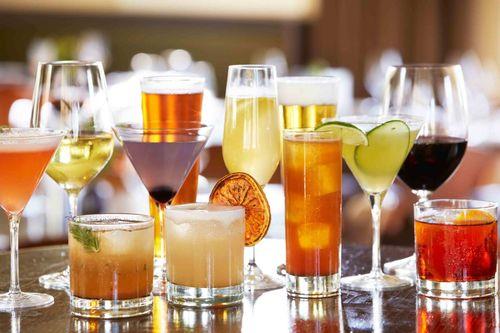 Reţete Cocktailuri alcoolice: Old Fashioned, Acapulco Gold Colada, Abbey