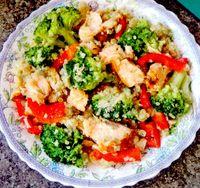 Salata_de_quinoua_broccoli_si_somon