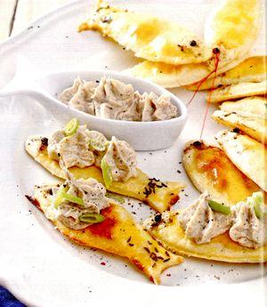 Tartine cu pasta de sunca sau de pastrama