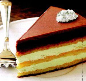 Tort_cu_crema_de_vanilie_si_crema_de_ciocolata_neagra