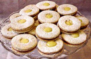 Biscuiti_Linzer_cu_mac_si_lemon_curd