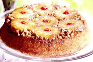 Tort_cu_ananas_cirese_si_nuca