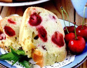 Pandispan_delicios_cu_cirese_si_migdale