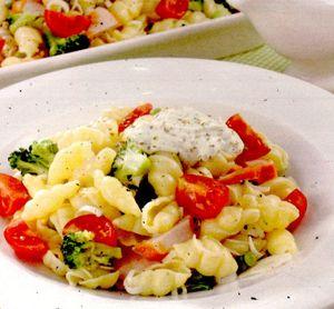 Salata_cu_paste_broccoli_si_sunca