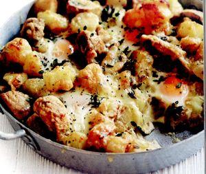 Cartofi_cu_oua_si_ciuperci_la_cuptor