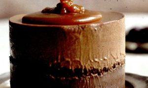 Mousse_cu_ciocolata_amaruie_si_frisca