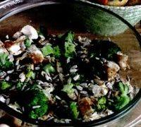 Salata_cu_pui_broccoli_si_castravete