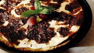 Tarta_cu_ciocolata_si_frisca