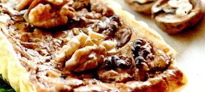 Tarta_delicioasa_cu_nuci_si_caramel