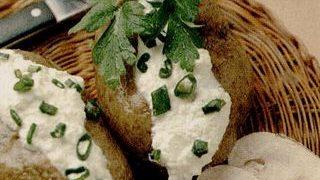 Cartofi_umpluti_cu_ceapa_verde
