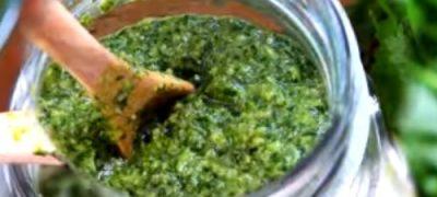 How_to_make_Basil_Pesto