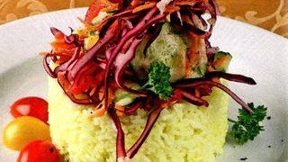 Orez cu salata de legume