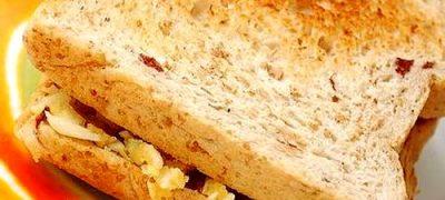 Sandwich-uri_calde_cu_branza_si_usturoi_05