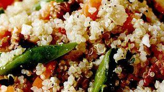 Pilaf de quinooa cu morcov si mazare