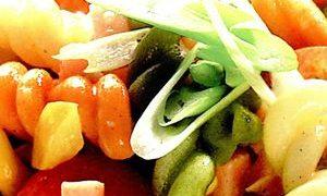 Salata_de_paste_cu_carne_de_curcan