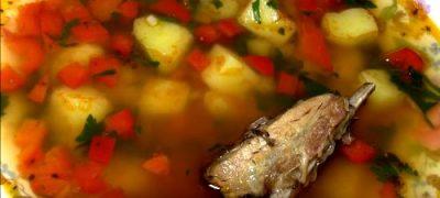 Cum_se_prepara_Bors_de_cartofi_cu_afumatura