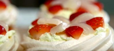 How_to_make_Mini_Strawberry_Pavlovas