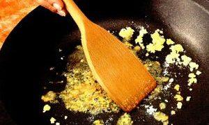 Curcan cu susan la wok