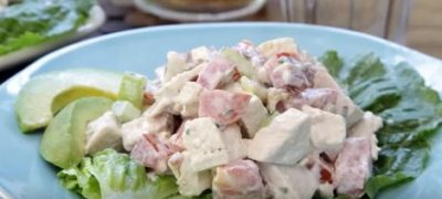 How to Make Chicken Salad with Bacon and Lettuce